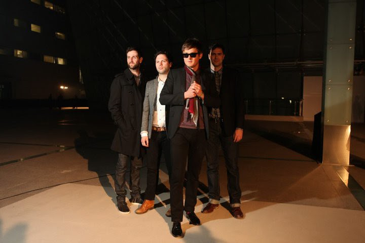 08 British band Keane, wearing Burberry