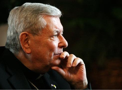 http://i.usatoday.net/news/_photos/2011/07/28/Vaticans-US-envoy-dies-following-lung-surgery-DS8IUJ4-x-large.jpg