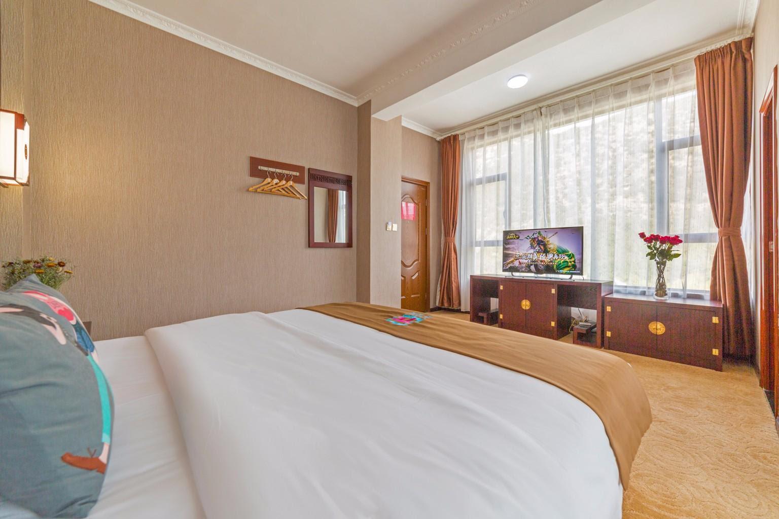 Pai Hotel Lijiang Huama Street Black Dragon Pool Park Reviews