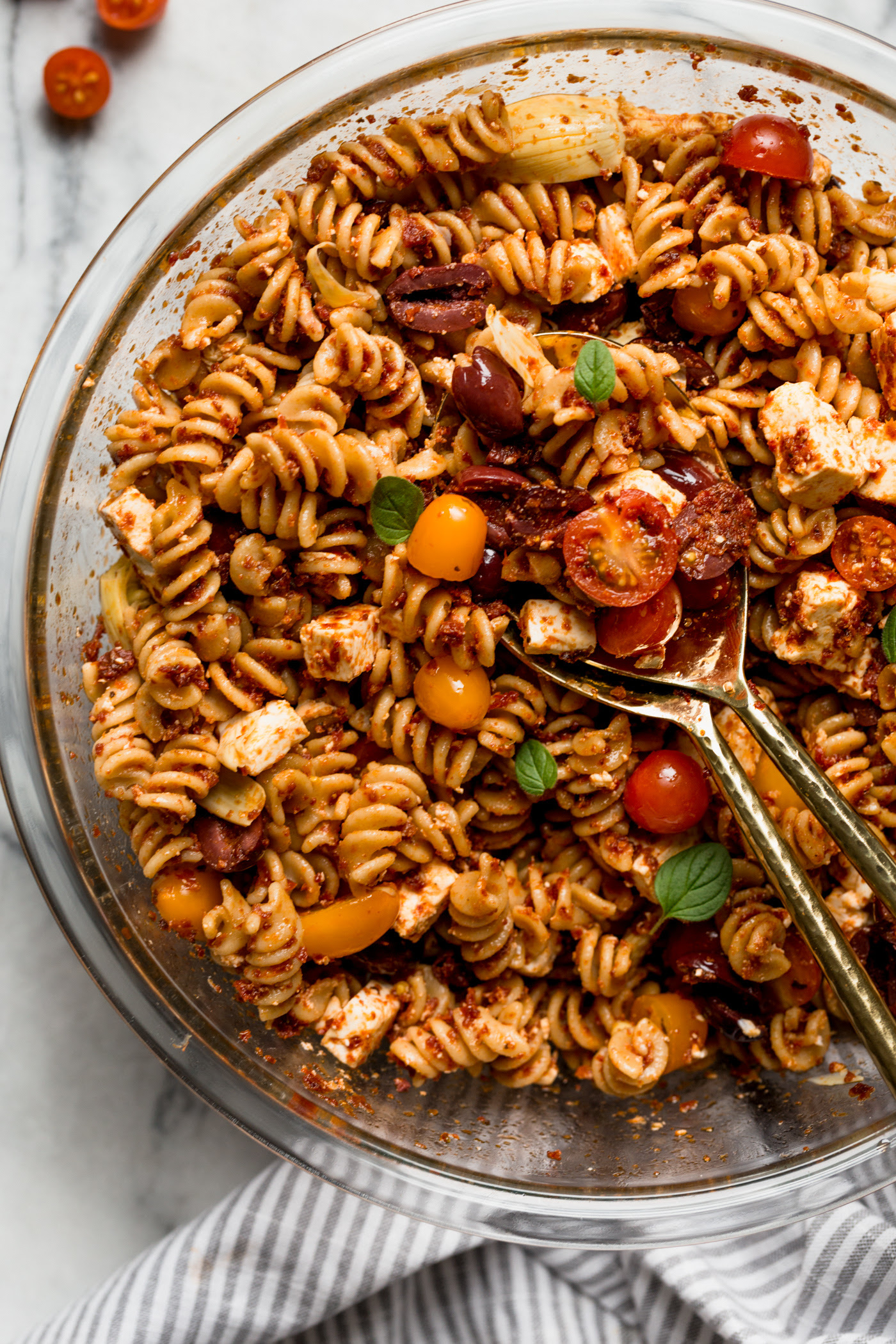 sundried tomato pasta salad only 6 ingredients!  plays well with butter