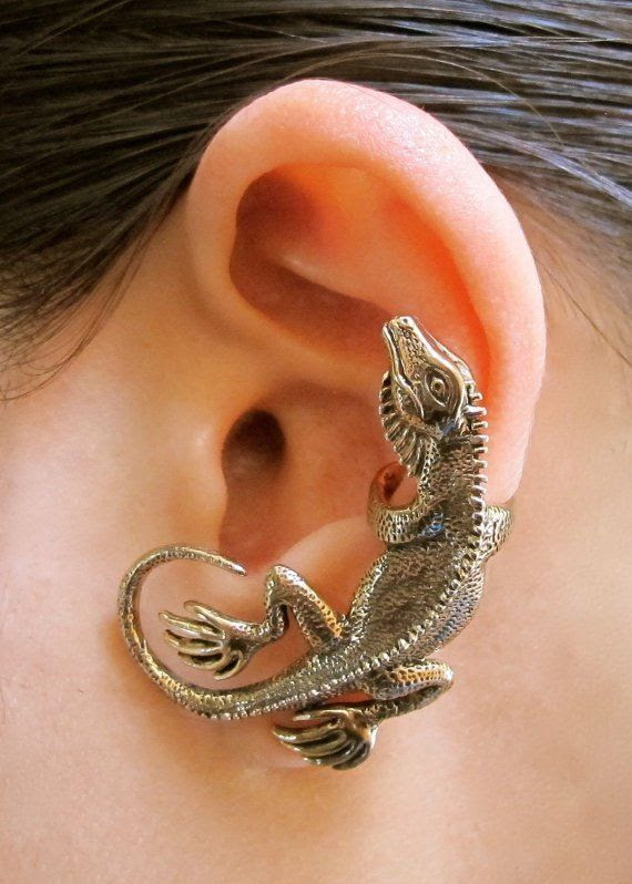 Lizard jewelery. Love it