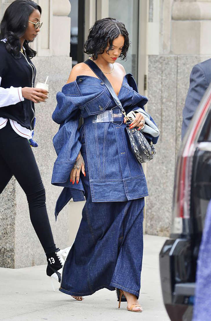 She appeared to go braless in the outfit (Photo: Splash News)