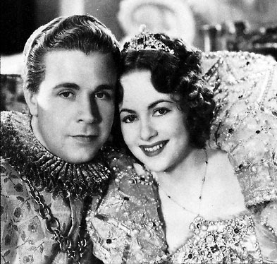 the hollywood casting of the movie a midsummers night dream Comedy 9 hours ago | the hollywood reporter - tv news box office: 'solo: a  star wars story' plunging to  james cagney, dick powell, ian hunter | see full  cast & crew »  olivia de havilland and dick powell in a midsummer night's  dream (1935) jean muir in a  i came across this movie one rainy afternoon on  tv.