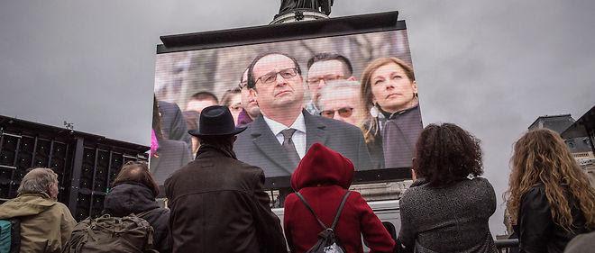 Il n'y avait pas foule ce dimanche matin place de la République à Paris pour la cérémonie officielle d'hommage aux victimes des attentats de 2015.