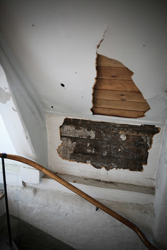 staircase before restoration