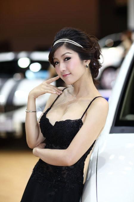 20110531155759 Sarunruk Sirirumpaivong13 Chiêm ngưỡng vẻ đẹp ao ước của nữ hoàng xế hộp Thái
