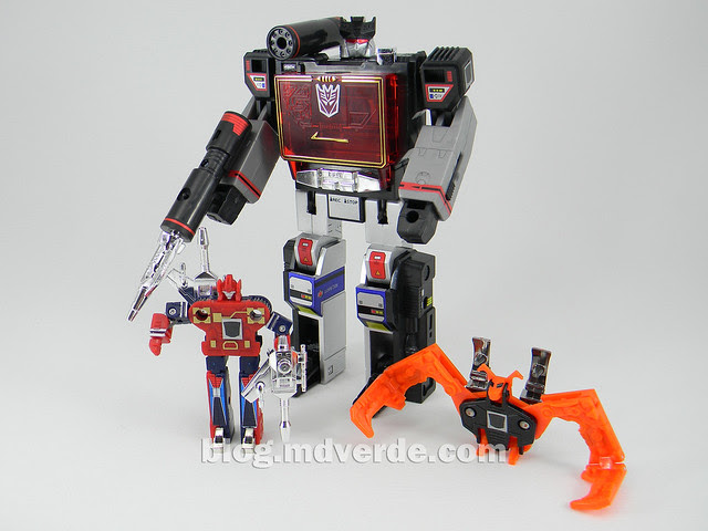 Transformers Soundblaster - G1 Encore - modo robot vs Enemy vs Wingthing
