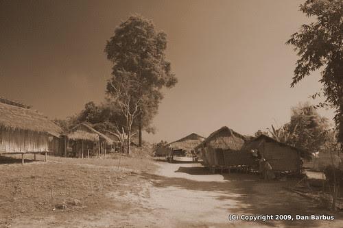 LongNeck Village
