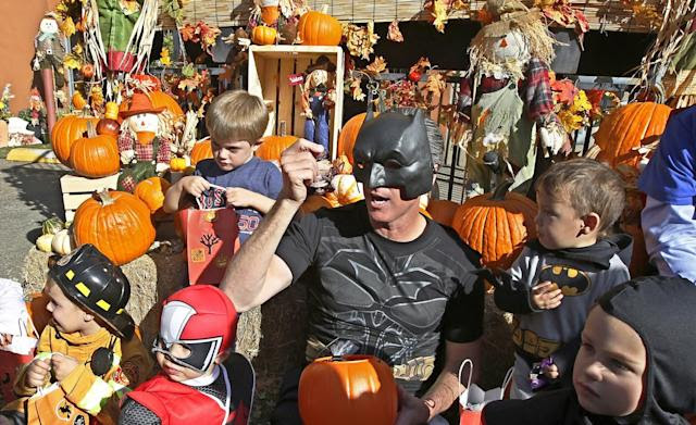 Elementary school cancels Halloween parade due to racial insensitivity