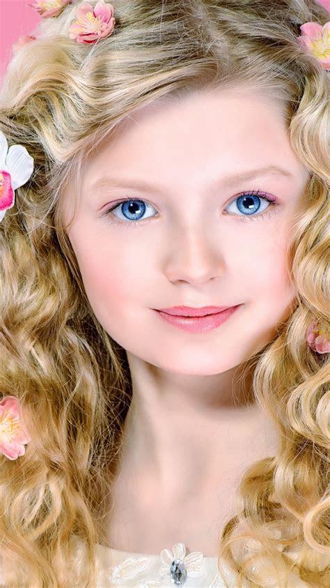 wallpaper cute blonde girl curly hair blue eyes smile