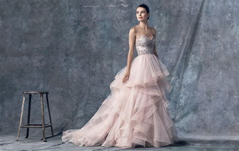 How to Choose a Colored Wedding Dress   Lunss Couture