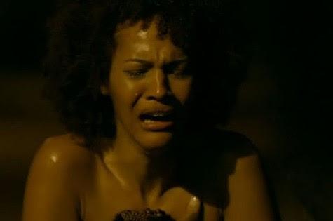 Jessica Barbosa é Neidinha em 'Em família' (Foto: Reprodução)