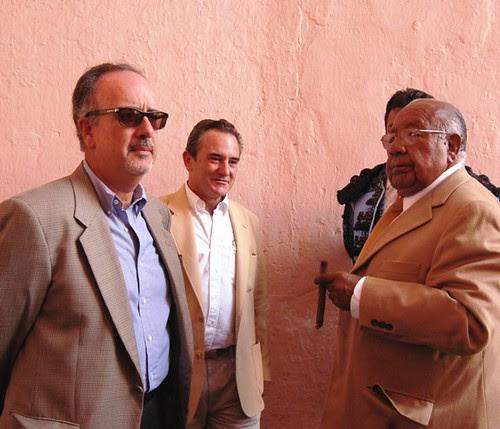 Ganaderos y empresario taurinos en Acho