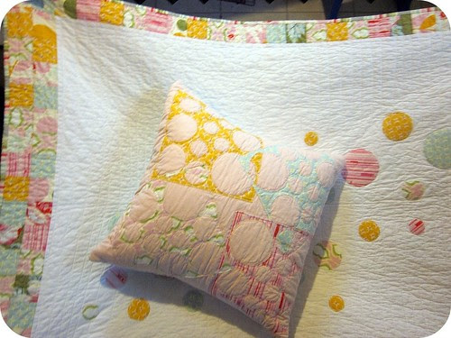 Chloe's bubble quilt and pillow - finished!