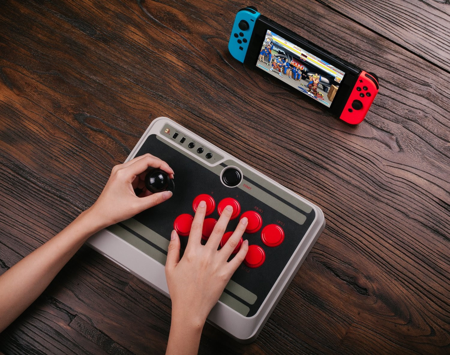The Switch finally has an arcade stick with 8bitdo's new controllers screenshot