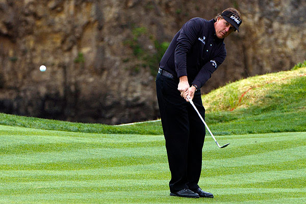 Phil Mickelson wins Pebble Beach title as Tiger Woods ...
