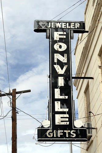 fonville jeweler neon sign