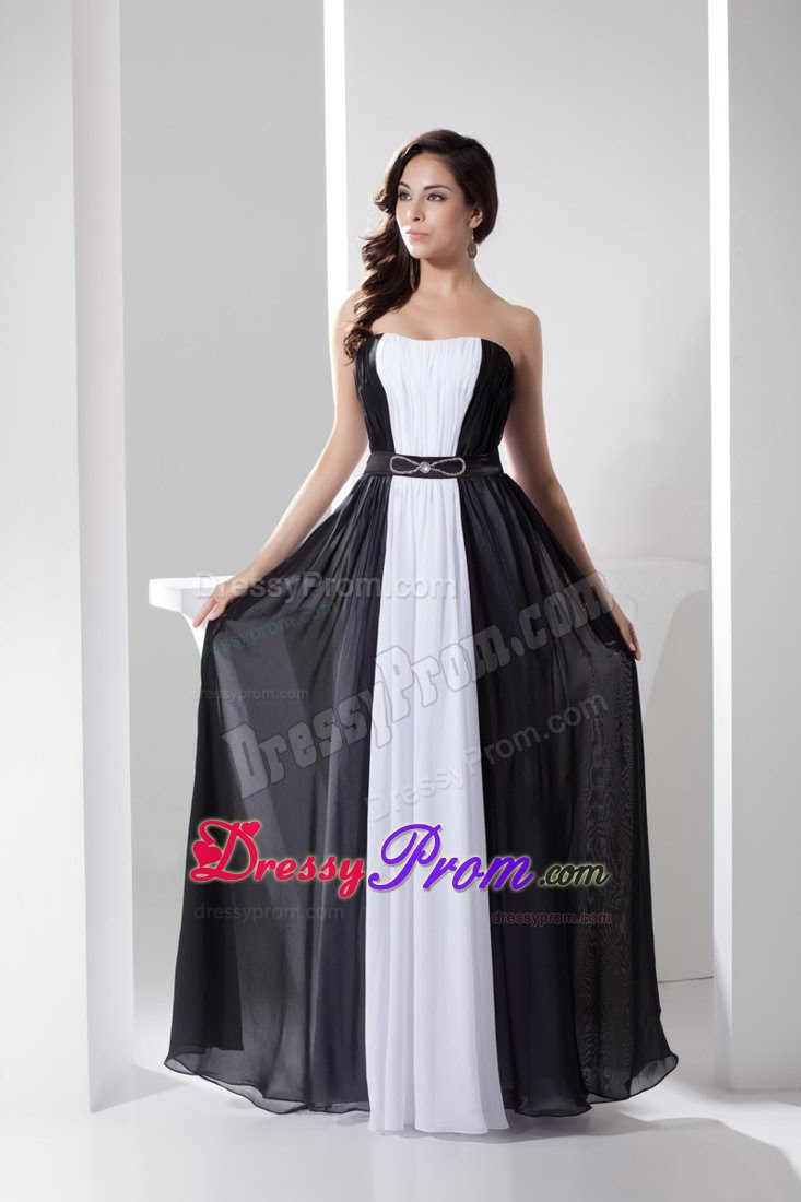Evening dresses in black and white