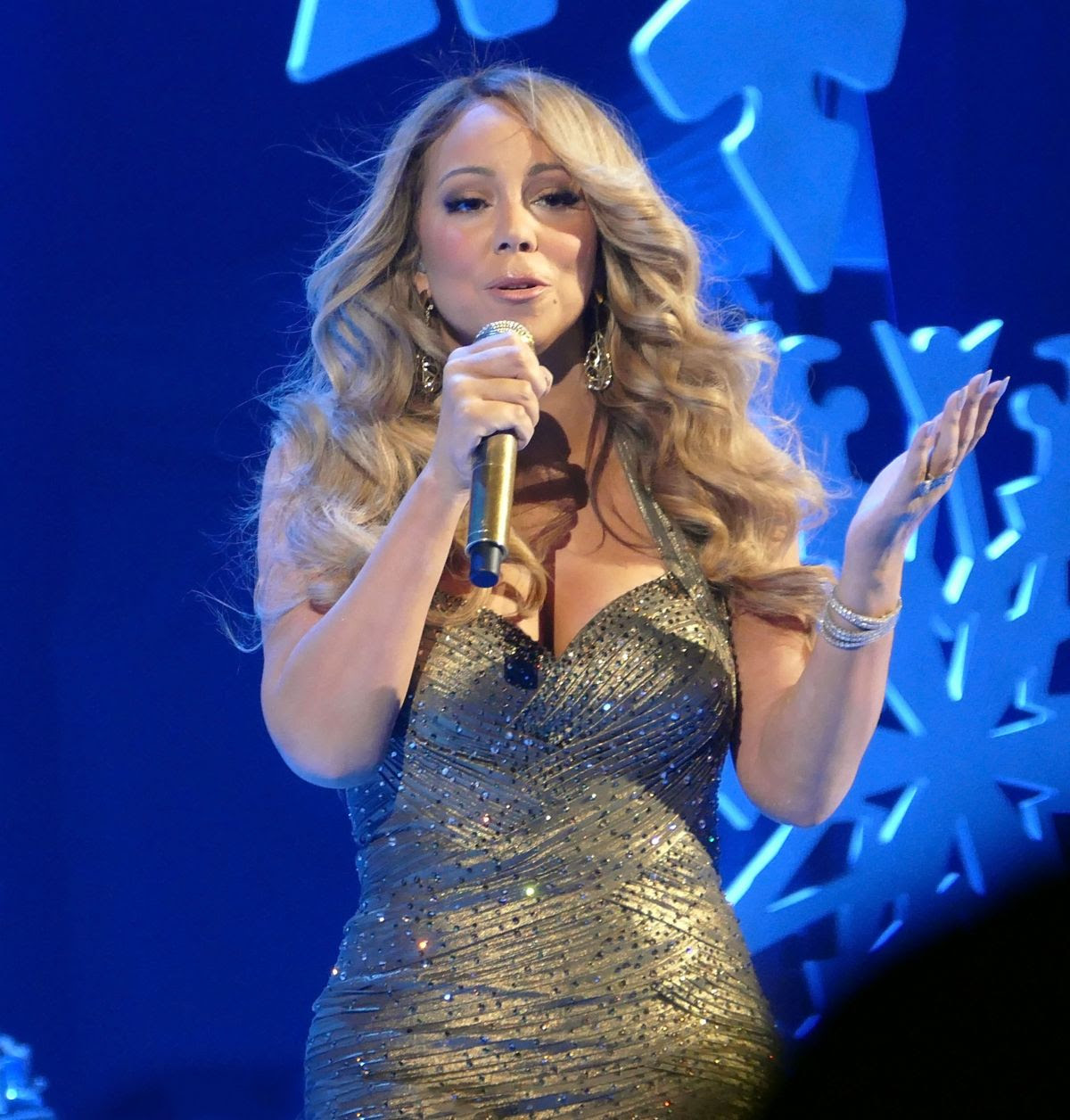 MARIAH CAREY Performs at a Concert in New York 12/09/2015