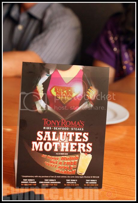 Mothers-Day-in-Tony-Romas