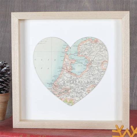 First Wedding Anniversary Gift Ideas   hitched.co.uk