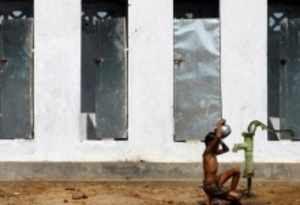 One billion people still defecate in public despite health risks: UN