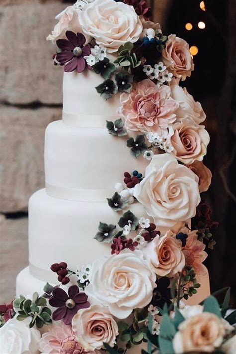 45 Simple, Elegant, Chic Wedding Cakes   wedding   Cool