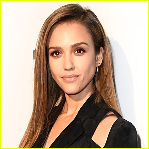 Jessica Alba Mourns the Death of Her Dog & 'Honey' Co-star Sid
