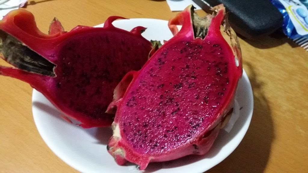 赤いドラゴンフルーツ、ベトナム産