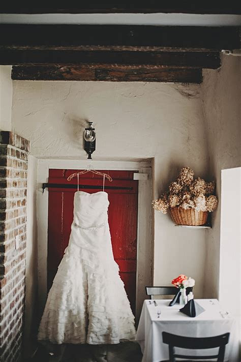 April Springfield Manor Barn Wedding :: Real Frederick