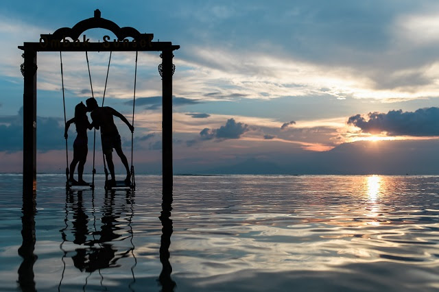 Ungkapan cinta memang banyak bentuknya dari yang bentuknya perhatian hingga kepada tindaka Ternyata Berciuman Memiliki Banyak Khasiat, salah Satunya Meredakan Amarah Si Nona
