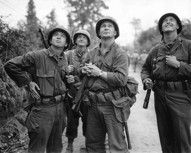 File:Four US-Soldiers watching allied bombardement.jpg