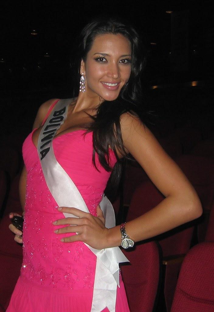 Katherine David como Miss Bolivia 2007
