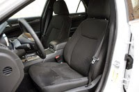 2011 Chrysler 300 front seats