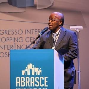 Joaquim Barbosa dá sua primeira palestra após deixar o Supremo