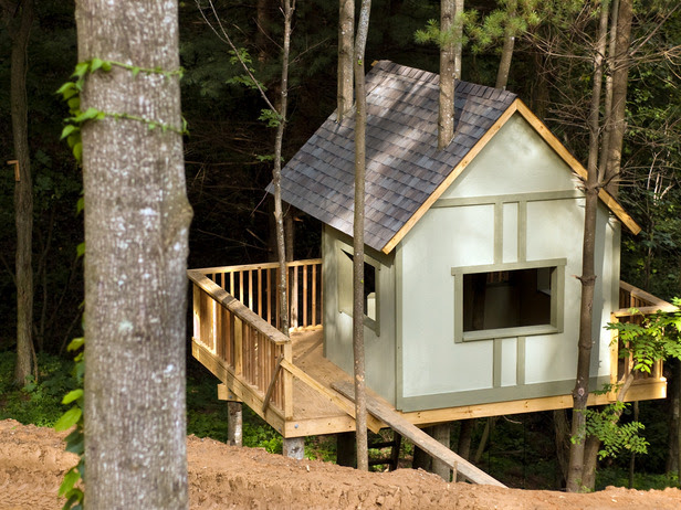How to Build a Treehouse : How-To : DIY Network