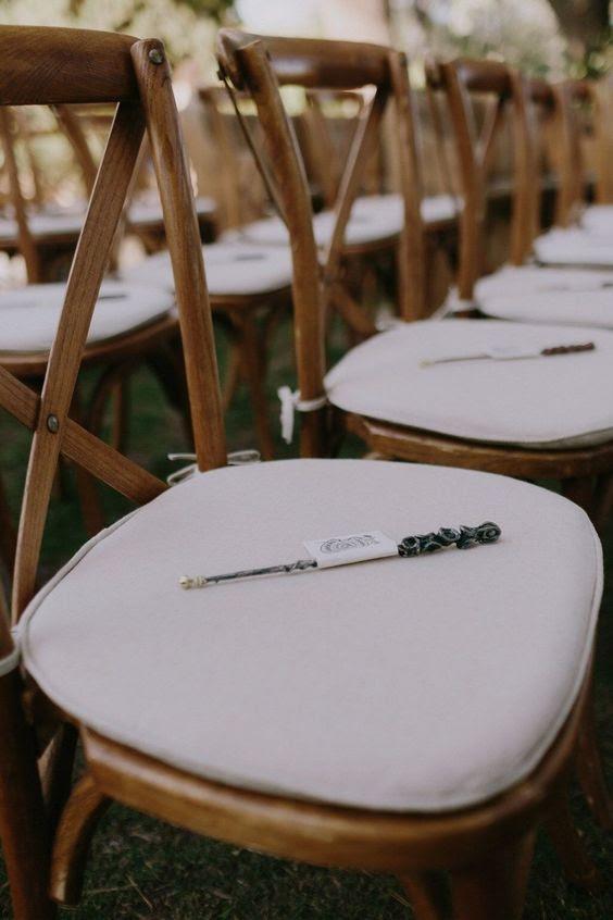 Zauberstäbe für jeden Gast statt wunderkerzen und als Hochzeit Bevorzugungen