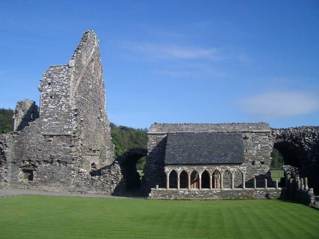 File:Glenluce Abbey (12c Cistercian) - geograph.org.uk - 490895.jpg