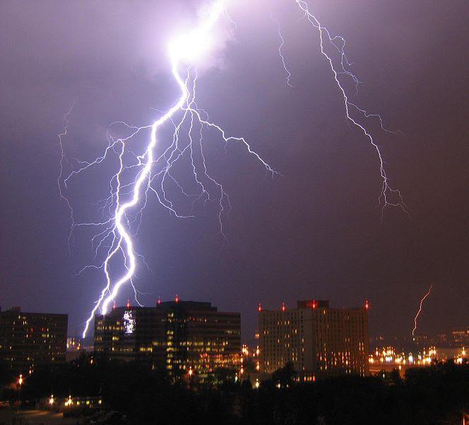 File:Lightning in Arlington.jpg