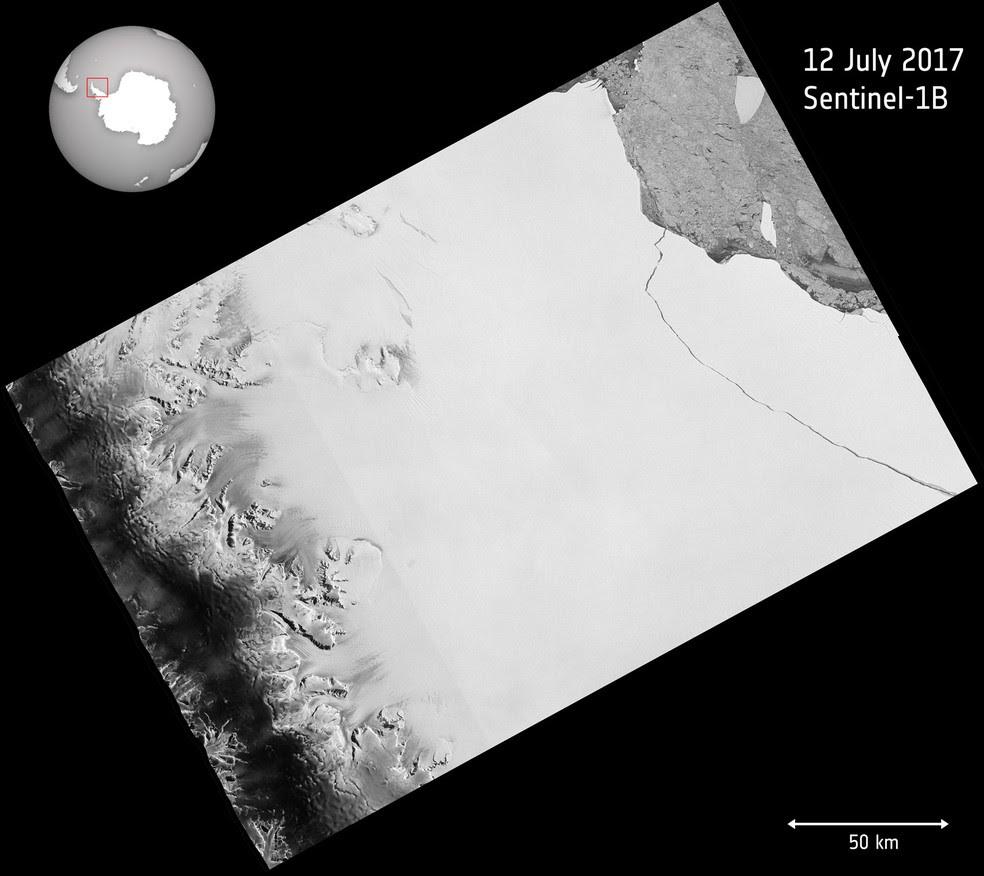 Imagem do satélite Copernicus Sentinel processada pela ESA nesta quarta-feira mostra ruptura que desprendeu iceberg gigante na Antártica  (Foto: Copernicus Sentinel data (2017)/ESA, CC BY-SA 3.0 IGO )