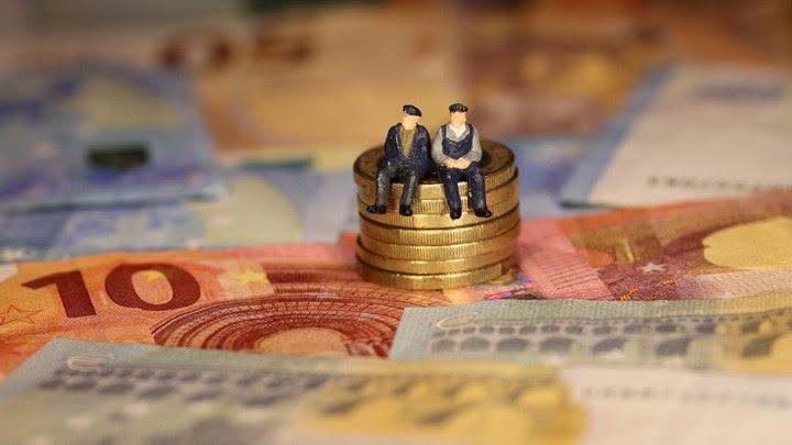 Γιατί δεν πληρώθηκαν τα αναδρομικά σε 30.000 συνταξιούχους - Ποιοι δεν είδαν χρήματα στον λογαριασμό τους