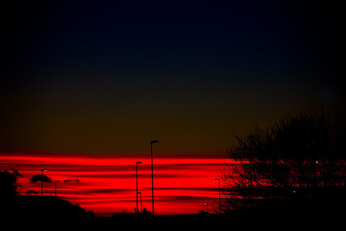 Red sunset by lujaban