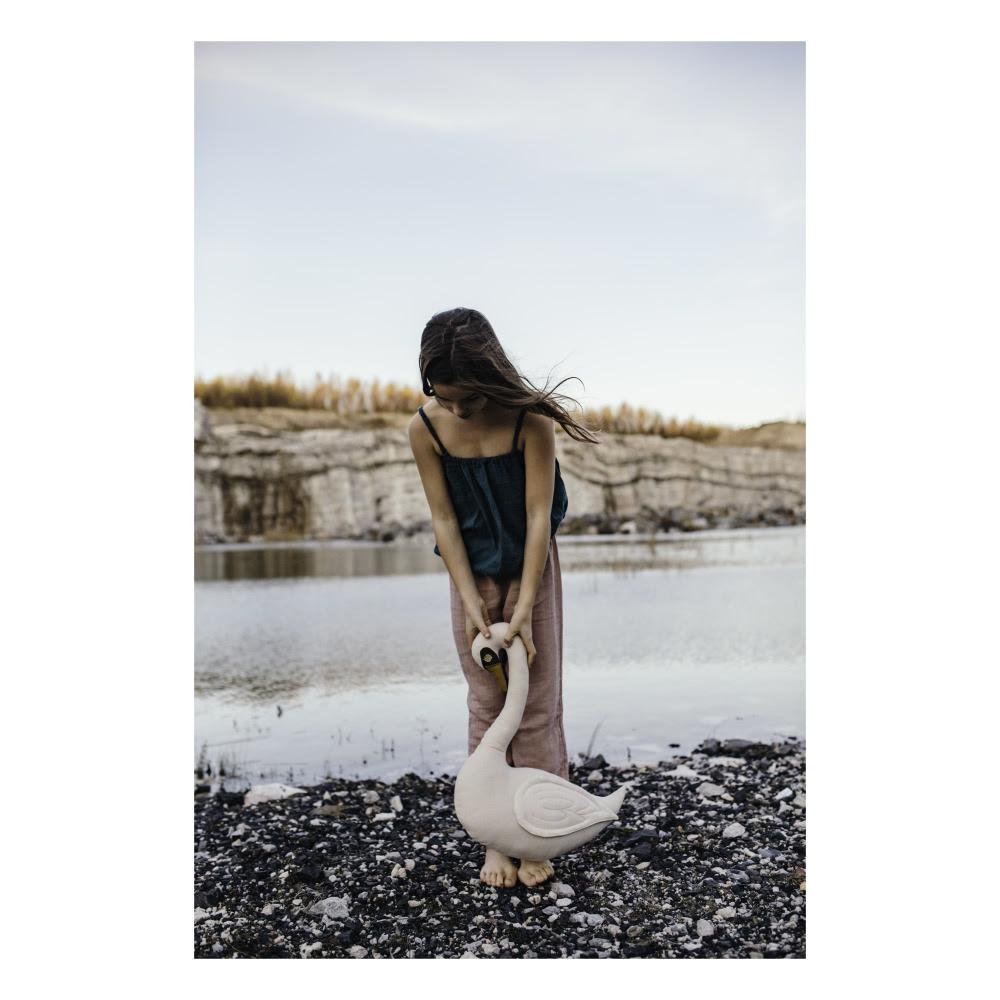 swan-organic-cotton-cushion x