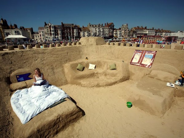 First handable sand hotel of the world