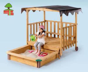 spielhaus mit sandkasten von outdoor zone bei hofer