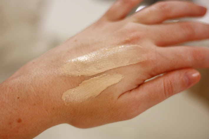 maybelline dream fresh bb cream swatch