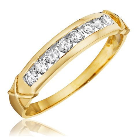 1/3 CT. T.W. Diamond Women's Wedding Band 14K Yellow Gold