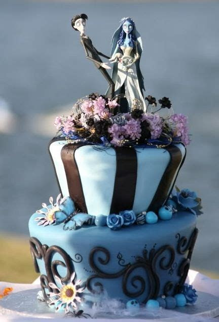 Gothic Cakes for a Dramatic Halloween   Cakes and Cake