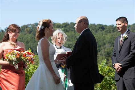 Weddings   Four Sisters Winery