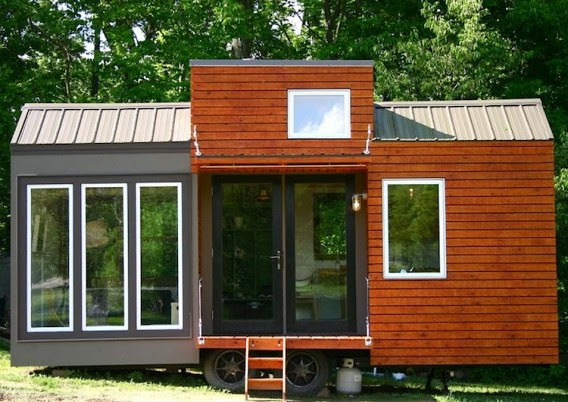 Tall-Mans-Tiny-House-front-568x402